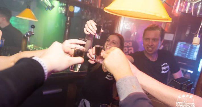 Feest bij Café Dunne - studentencafé in Breda